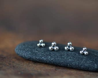 Three Dot Stud Earring Set, 4mm and 5mm Sterling Silver Stud Earrings, tiny silver balls for double piercing, minimal everyday earrings