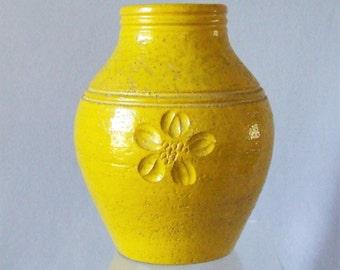 Bitossi MCM Italian Ceramic Vase for Rosenthal Netter Yellow Flower Pottery