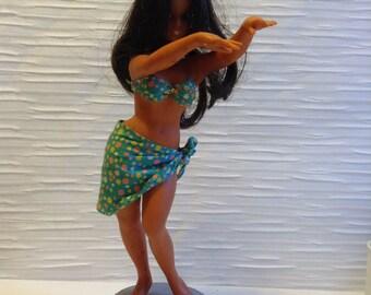 Vintage Hula Doll.  Hawaiian Doll.   Long hair, Curvacious.  12 inches tall.  For your Hawaiiana Tiki Bar.