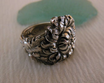 Mum  Spoon Ring  Antique  Sterling Silver  Size 7.35
