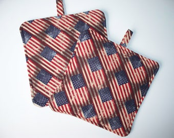 Antique Look Flags,Set of 2 Heavy Duty,Thick Patriotic Pot Holders,Kitchen Hot Pads,Trivets,Collector Gift,Retro Cream, Red, Blue
