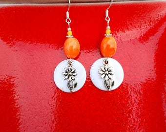 Orange Daisy Shell Earrings, Orange Shell Flower Sterling Silver Earrings, Orange Daisy Sterling Earrings, Flower Shell Silver Earrings
