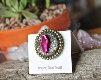 Geode Pin - Gypsy Brooch - Dyed Pink Geode Cave - Hot Pink Stone Jewelry - Boho Chic Geode Druzy Jewelry - Hippie Brooch -  Bohemian Jewelry