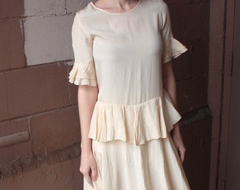 Vintage 1920s Dress // 20s Nude Silk Frilled Flapper Dress with Peplum // Bride // DIVINE