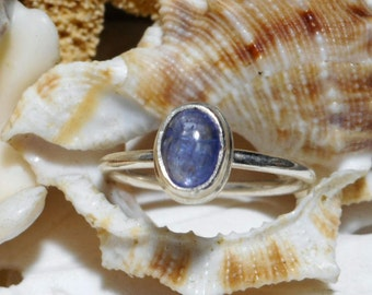 Sterling Silver Tanzanite Cabochon Ring 1.78 grams Size 6