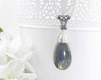 Silver Labradorite Pendant Necklace, Gemstone Necklace, Raw Crystal Necklace, Stone Necklace, Gift for Girlfriend, Gift for Mom