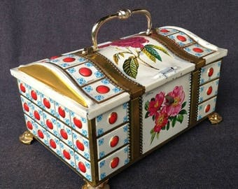 Lovely vintage tin metal little chest. Mother's day gift idea or studio decor display. Prop setting rare kitsch find.