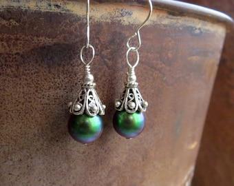 Swarovski pearl earrings. GREEN WIND. fancy filigree silver earrings. red head earrings. comfortable green earrings. Bali silver earrings.