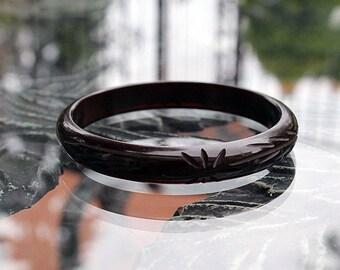 Carved Bakelite Bangle, Black to Red Changer