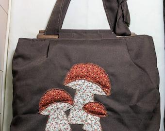 Vintage mushroom purse / 60s 70s handbag shoulder bag / 1960s 1970s hippie boho chic / vegan brown fabric / calico applique / festival retro