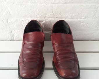 Red Chunky Heel Loafers 41 10 90s Vintage Burgundy Square Toe Leather Oxfords Slip On Clueless Preppy Normcore Minimalist Kenneth Cole Shoes