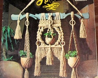 Vintage 1970s Spanish Lace Macrame Craft Instructions Book by Pat Brown Rustic Traditional Style Wall Hangings Plant Pot Hangers 31 Pages