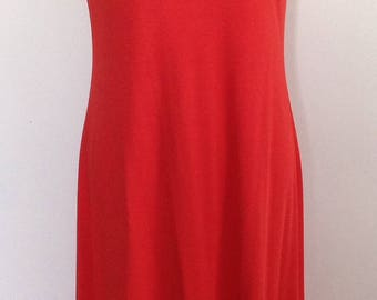 Red maxi sleeveless dress