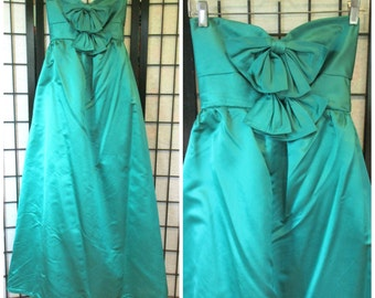 Vintage Ball Gown 1950s 1960s Strapless Frock Emerald Green Satin Formal Gala Maxi Dress 30 Bust XS S Princess Party Maxidress with Bows