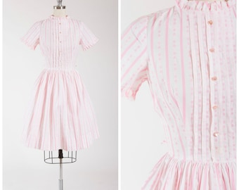 Vintage 1950s Dress • Hearts A Flutter • Pink Heart Embroidered Cotton 50s Day Dress Size Small