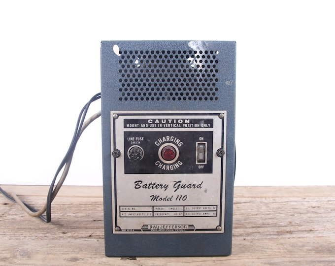 Vintage Battery Guard Charger Model 110 / Ray Jefferson Electronics Decor / Industrial Set Prop / Steampunk Decoration / Vintage Electronics