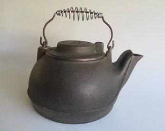 Wagner Ware Tea Kettle, Vintage Cast Iron Slide Lid Rustic Cottage Cabin Farm Ranch Lodge Decor Made in USA Sydney Ohio Photo Display Prop