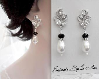 Pearl earrings, Black Swarovski crystal earrings, Swarovski pearl earrings, Brides earrings, Black and white pearl earrings,Wedding earrings