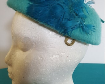 1950s Turquoise Hat w/ Feather Details Melosoi Henry Pollack
