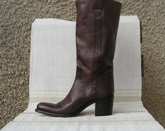 Vintage brown high leather boots, size 39 (EUR), 8.5 (US)
