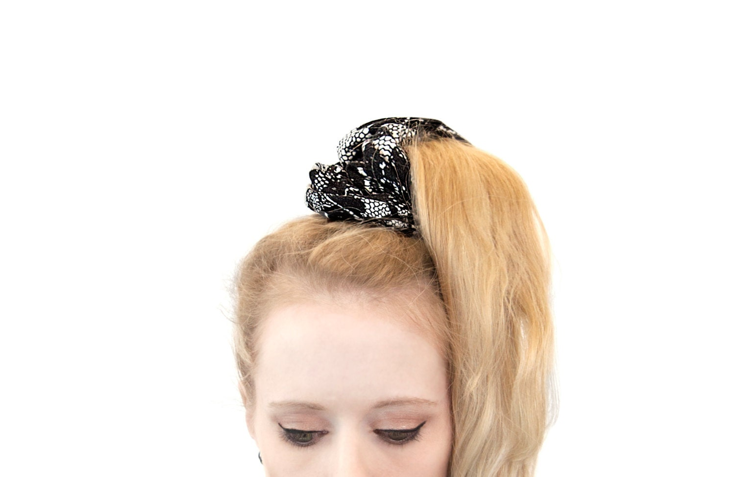 Scrunchie Hair Styles: Lace Scrunchie Ponytail Holder Hair Scrunchies Pony Tail