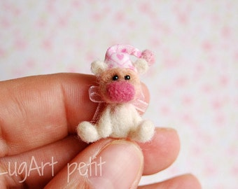 Sugar, a tiny OOAK artist bear.