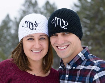 Mr and Mrs Beanie Set - Valentines Gift - Couples Clothing - Newlywed Gift - Couples Gift - Married Couple Gift - Matching Couple
