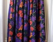 ON SALE Women's Vintage Floral Print Skirt / Vintage Liz Claiborne Pleated Midi Skirt /  Purple, Orange, Green, and Black Flowers / Size Med