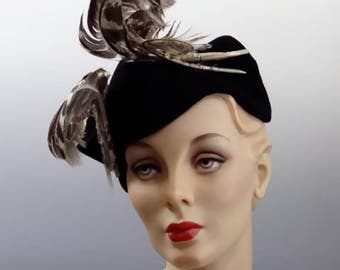 "1940's Tilt Hat ""New York Creations"" Black Felt and Dramatic Feathers - War Era Fashions"