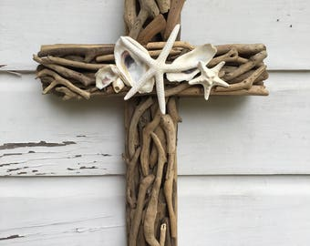 Driftwood Seashell Cross/Beach Wedding Cross/Driftwood Home Decor/Driftwood Wall Art