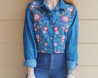 90's Vintage Denim Floral Embroidered Oversized Jean Shirt // Women's size Medium M