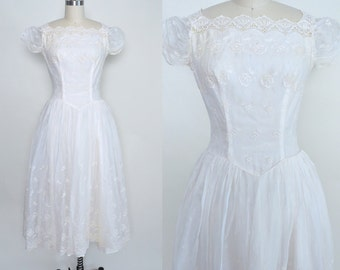 Vintage 1950s Wedding Dress 50s White Bridal Dress Full Skirt Dropped Waist Eyelet Lace