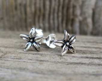 Vintage 925 Sterling Silver Flower Stud Earrings