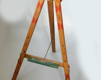 Vintage Triang childs wooden easel, Artists painting stand, Tripod easel
