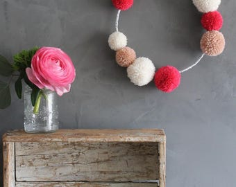 Decorative handmade tassels of pink and white Crown broken / wall Decoration