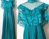 70s Victorian Dress, Edwardian Dress, Victorian lace Dress, 70s Maxi Dress, Vintage Green Lace Dress, Vintage Lace Dress, Cape Dress - L/XL