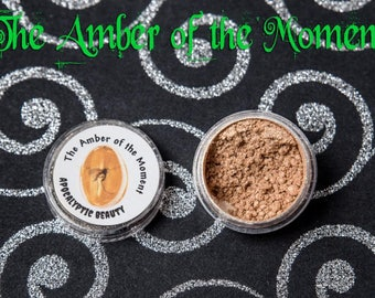 The Amber of the Moment - vegan amber gold eyeshadow