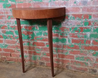 Two-legged leaning console table | Quarter-sawn oak and Black walnut