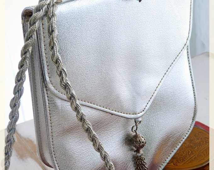 Small SILVER VINYL evening shoulder bag with a PENDANT - Harry Levin