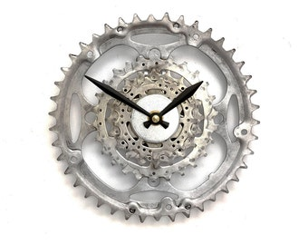 Steampunk Bike Clock, Bicycle Gear Clock, Steampunk Wall Clock, Unique Clock, Cyclist Gifts, Gifts for him, Gear Clock, Unique Gifts