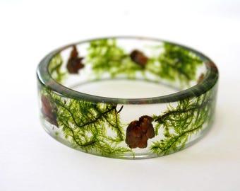 Hemlock cones and forest moss resin bracelet, botanical bracelet, forest bracelet, transparent bracelet, tree bracelet, made in Canada