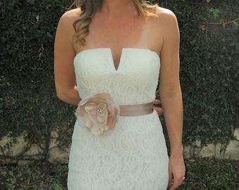 Champagne Flower Bridal Sash, Bridal Belt, Flower Wedding Belt, Vintage Bridal Sash, Bridal Sash Belt, Blush Bridal Sash, Boho Bridal Sash