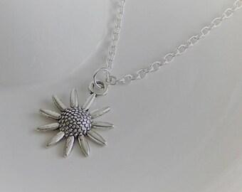 Silver Daisy Charm Necklace, Daisy Charm Pendant, Silver Necklace, Flower Charm Necklace, Summer Necklace, Flower Pendant