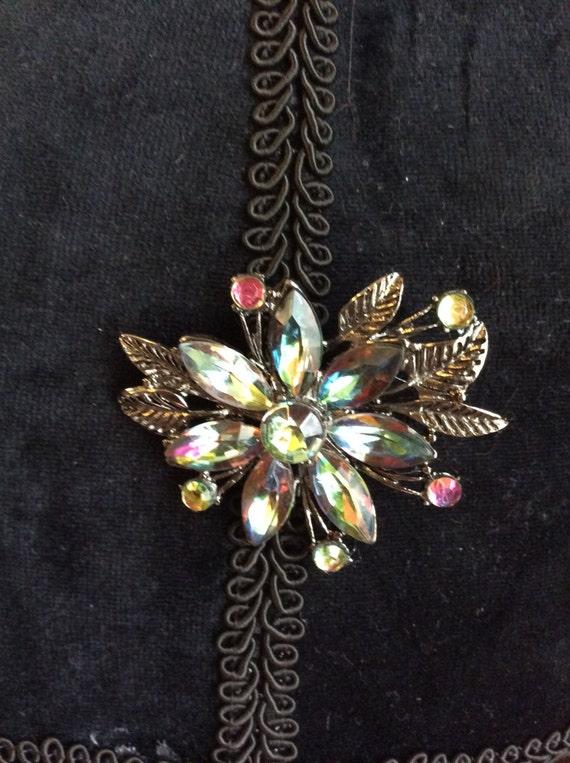 Vintage costume brooch, vintage jeweled flower pin, costume jewelry, vintage flower brooch, multi colored stones on vintage brooch