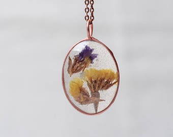 pressed flower necklace, bridesmaid gift, resin pendant, boho, girlfriend gift, nature necklace, real flower jewelry, unique necklace