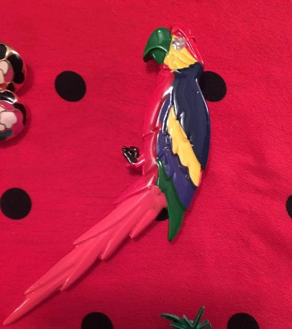 Vintage 1980's Melamine Large Tropical Parrot Pin Brooch
