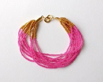 Hot pink bracelet, fucshia bracelet,beaded bracelet,pink and gold bracelet, seed bead bracelet, bridesmaid gift, gift idea, wedding jewelry