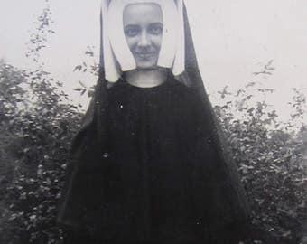 1940's Pretty Young Catholic Nun In Full Habit Snapshot Photograph - Free Shipping