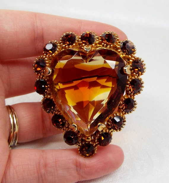 Vintage / Stunning Large Victorian Style Gold Citrine Glass Heart Brooch Pin