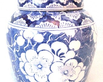 Antique Victorian Chinese Blue and White Ginger Jar Vase, Lid, Lovely Stylish Piece, Great Design, Chinoiserie, Oriental Jar, Prunus Blossom